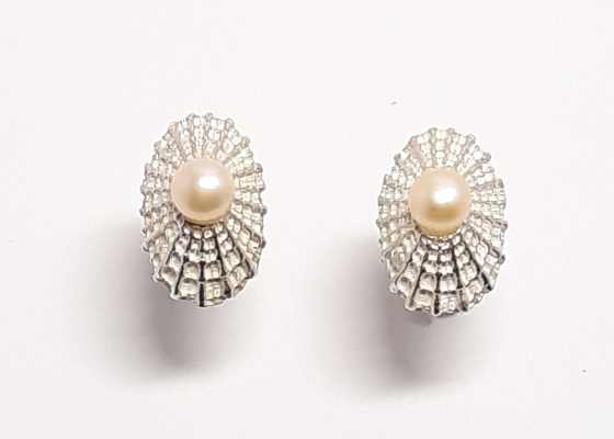 Katia Kolinger Jewelry –  Náušnice - mušle z Dominical, Kostarika / The Earrings - a shell from Dominical, Costa Rica
